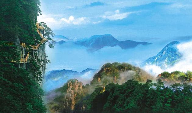 明月山景区位于江西省宜春市西南,距离中心城区仅15公里,由12座海拔