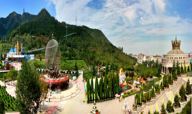 塔山旅游风景区主要包括太平观游览区和现代娱乐区两