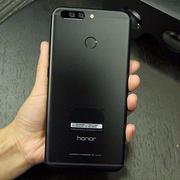 「报点」比iPhone8 S8颜值更高!华为首款全面屏手机曝光