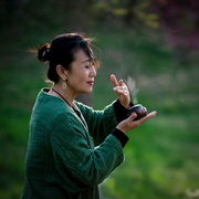 《有一个身影》作者:王建民;朗诵:温晓萍