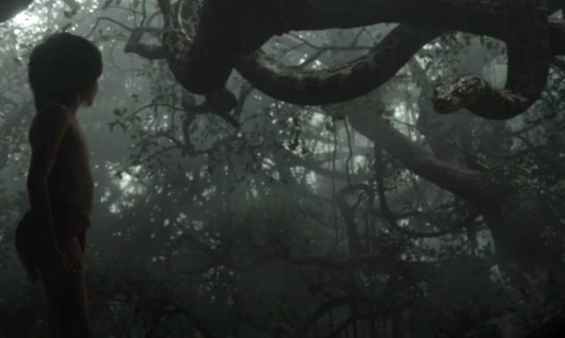 动画片《奇幻森林》里,小男孩毛克利在丛林里遇到了一条神秘的大蟒蛇