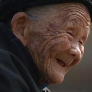 """慰安妇题材纪录片《二十二》:""""这世界真好,吃野东西都要留出这条命来看。""""-喜马拉雅fm"""