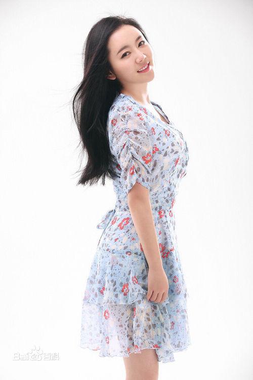 魏新雨全新专辑同名主打歌曲《书画中国》是受中国图片