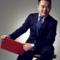 【两会特别节目】个人帮非亲非故者网络募捐属违法?!慈善法草案新规引争议