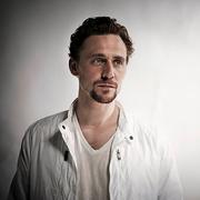 跟抖森(Tom Hiddleston)学诗歌朗诵