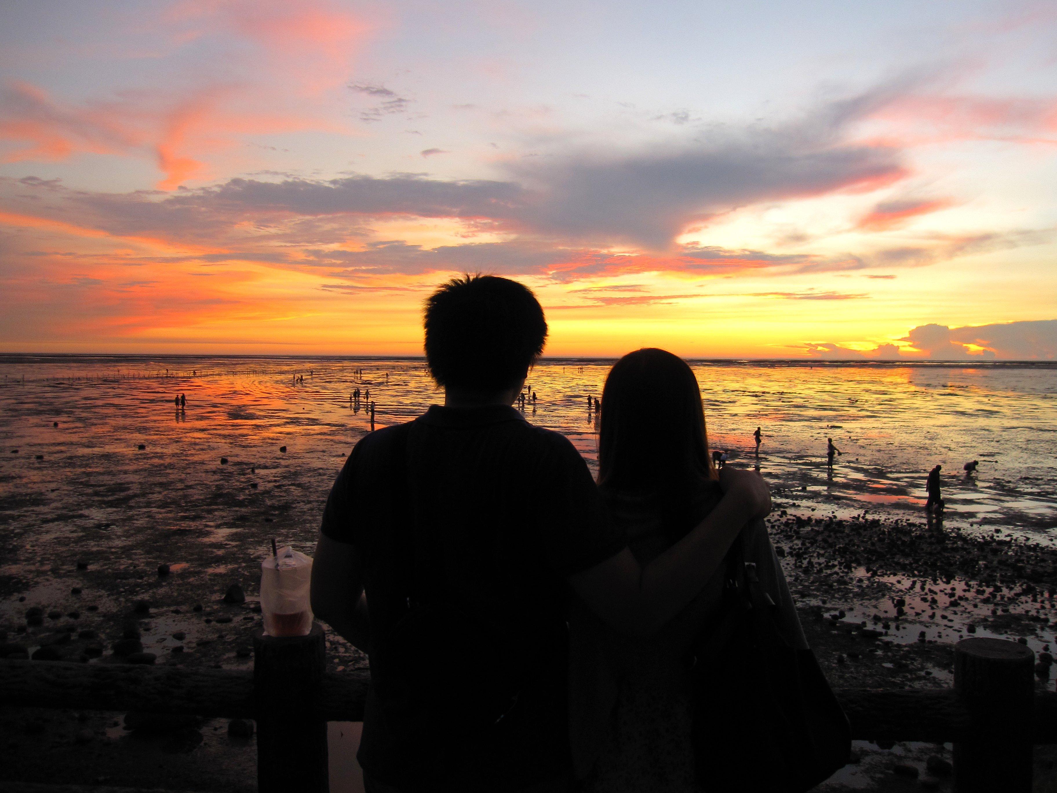 情侶頭像夕陽背影兩張